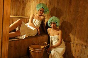 девочки лизбиянаи моются в русской бане фото